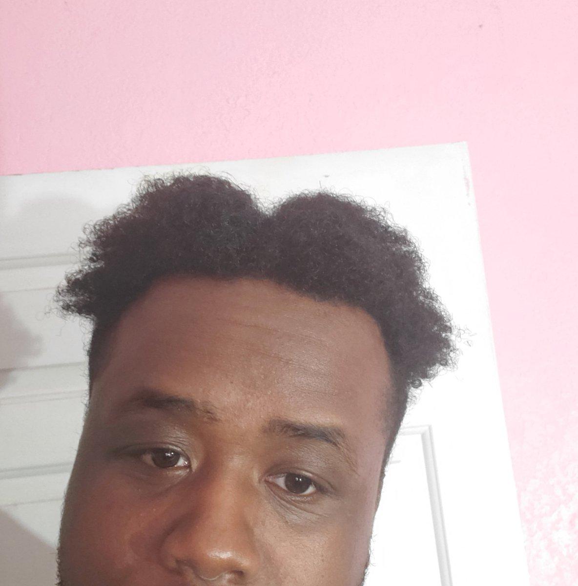 This nigga wanna be super saiyan trunks so bad, gwaf @dragonballz @dragonballsuperpic.twitter.com/eSkBS4NV40