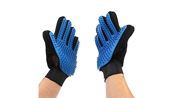 This glove is coated with skin-friendly soft rubber nubs which easily remove any loose pet tangles and hair leaving your pets looking shiny. https://amzn.to/2Ck1sKl  #americangentleman #bullylove #bostonterrierpuppy #bullylife #lovebostons #bostonsrulepic.twitter.com/CItF3J2ItN
