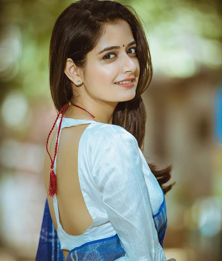 Wishing A Very Happy Birthday To Actress @AshikaRanganath  ATB For Future Endeavours..!  #KGFChapter2 @TheNameIsYash #YashBoss pic.twitter.com/hm2weAkcYb