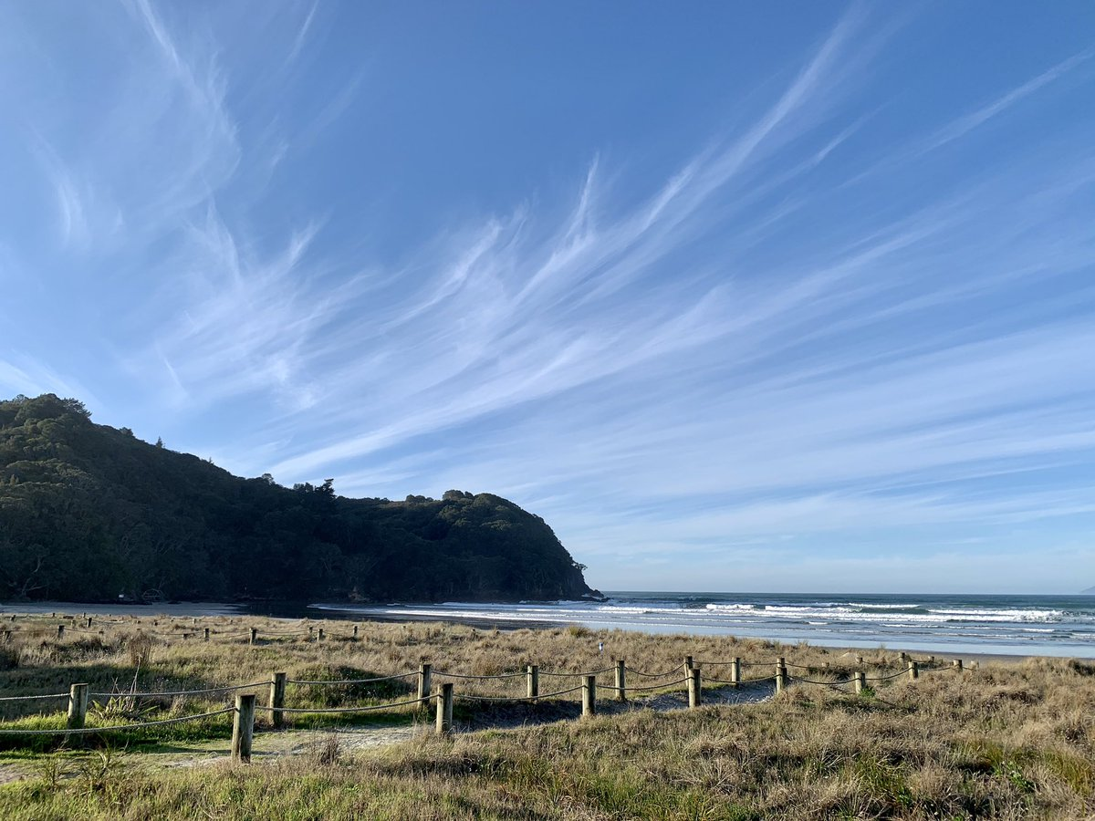 #waihiBeach late this afternoon Alto Cirrus?