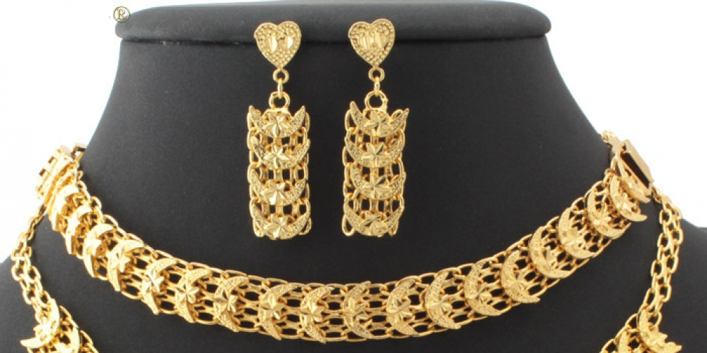 #jewels Star And Moon Gold Plated Fashion Jewelry Set https://jawaherna.com/star-moon-gold-plated-fashion-jewelry-set/…pic.twitter.com/9P8FMcaDVt