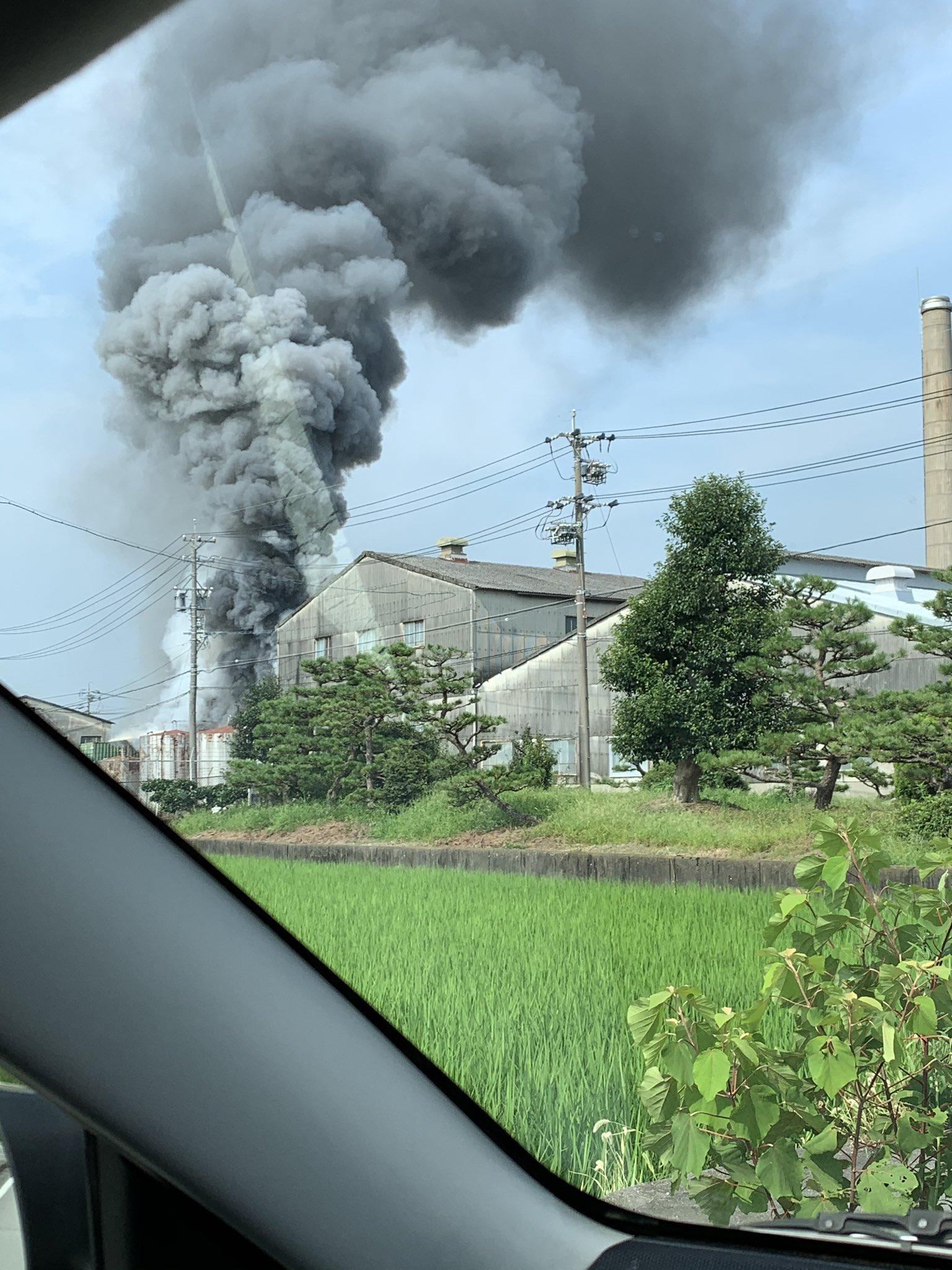 一宮市のオザワ繊工で火事が起きている画像