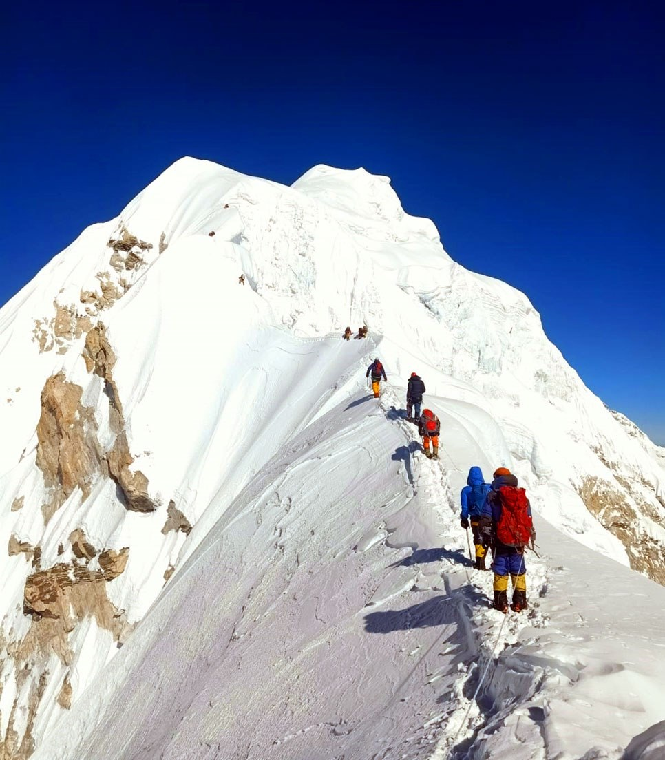 """Do you know about https://t.co/n0rjYePW8P October 2020?  BARUNTSE : 3 exotic peaks in one trip near Everest. Nepal's """"easiest"""" 7,000 metre peak. For novices and experts. Come and Climb With Me and Sherpas and Friends.  #Baruntse #7000meter #Climbing #Expedition #SummitClimb https://t.co/OMFbcL7zIx"""