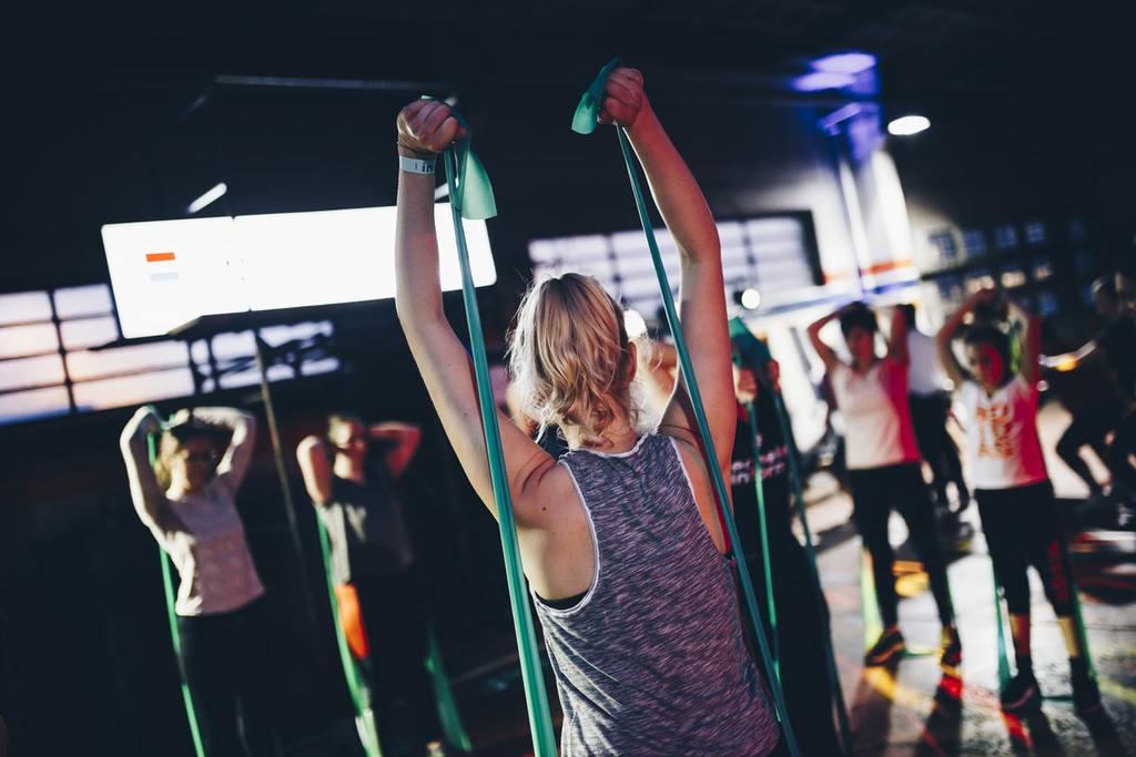 Connu également en tant qu'entrainement physique ou gymnastique de forme, le #fitness est un ensemble d'activités corporelles visant surtout à perfectionner la forme physique http://mon.articleenfrancais.net/r/b2_adf8pic.twitter.com/izwph4BtpU