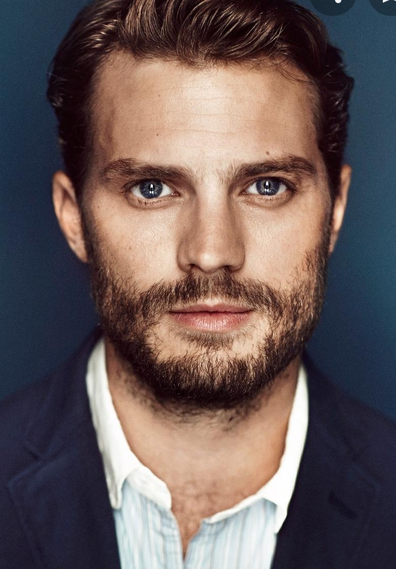 At Noon on #ThisMorning , saying hello to Northern Ireland's second most handsome man Jamie Dornan and chatting about his new film 👍 https://t.co/lbBz2Gn0tA