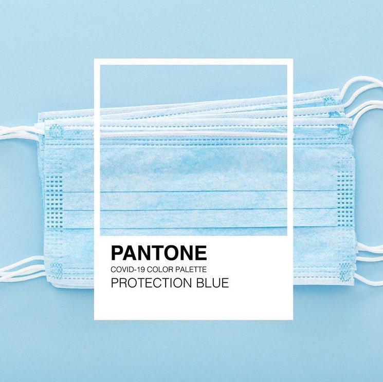 """#classicblue #pantone2020 se describió: reconfortante y a su vez describe abismo, como el mar. Es tristeza y tb el color de los sueños, pero sobre todo es el reflejo... Para los q nos gustan los colores y matices esTE @pantone """"azul"""" no lo olvidaremos nunca💪🏼 #pantonecovid 📷 ¿?"""