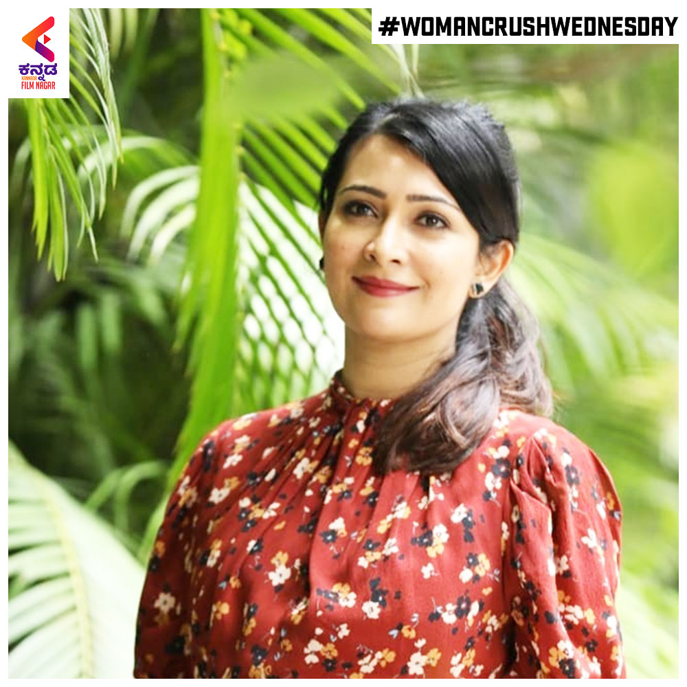 .#RadhikaPandit's smile is making our day! #WednesdayCrushWoman  #KannadaFilmnagar #KFN #SandalwoodActress #Sandalwood #KannadaFilms #SandalwoodBeauty #Sandalwood #kannadaactress #kannadaactressespic.twitter.com/u7noj3xo8G