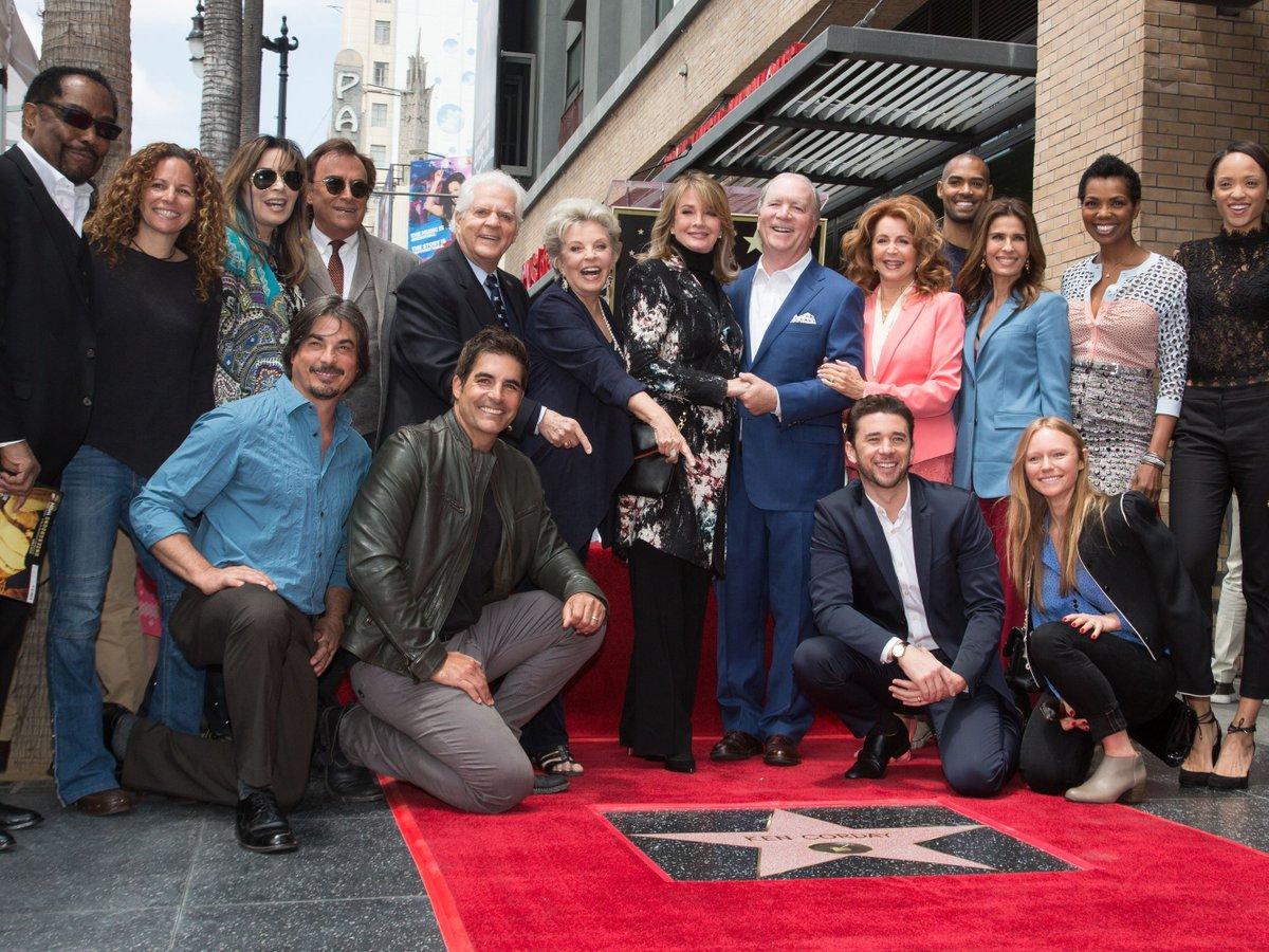The awesome cast#DOOL #DaysGone #Days #DaysOfOurLives #soap #soapopera #tvss #spoilers #weeklyspoilerspic.twitter.com/hJOVU1ZssC