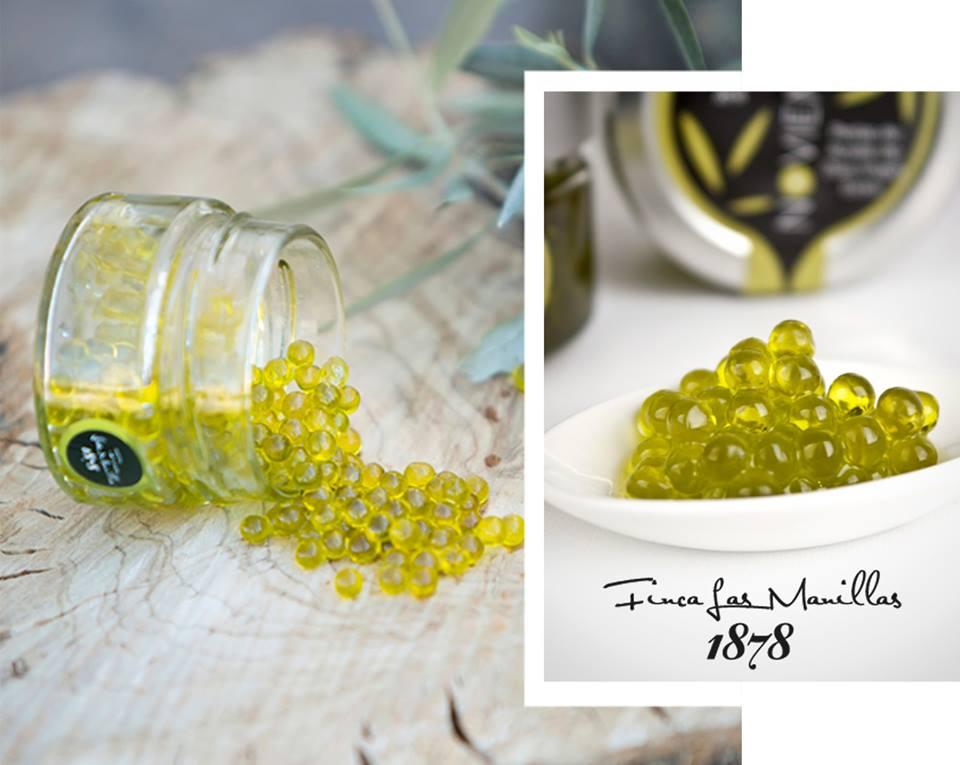 Desde Finca Las Manillas nos encanta sorprender a nuestros clientes con el mejor aceite de oliva, así como sus perlas. Por ello, queremos hablarte del uso de las perlas Aove Noviembre en nuestros platos. ¿Las conoces?  http://ow.ly/zzQa50yDkY9  #FincaLasManillas #Aove #Perlas pic.twitter.com/Brb95GCpFj