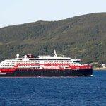 Image for the Tweet beginning: Norsk krydstogtskib i karantæne efter