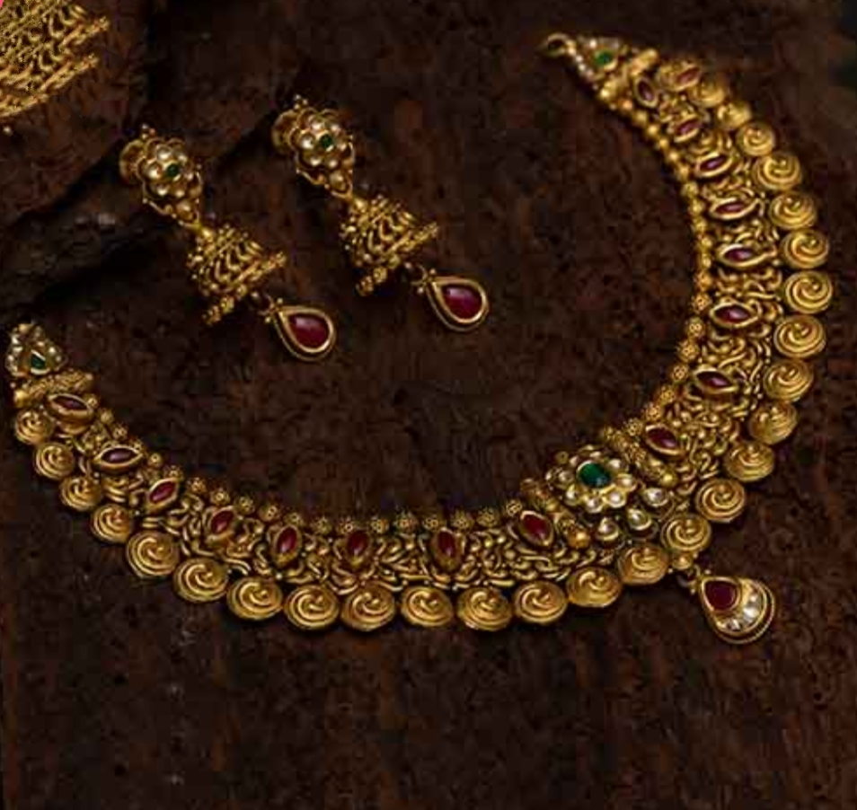 #goforgold #gold #jewelrydesigner #jewelryaddict #customizedweddingjewelry #ilovejewelry #unique #indianbride #bridaljewellery #finejewelry #indianwedding #antiqueneckset #jewels #2020collections #22ktgold #styleoftheday #weddingnecklaceset #bestcustomisationstore #KanikaJewelspic.twitter.com/bpmLSTfqsR