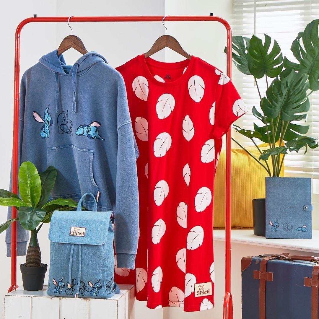 (#Merchandising) Une nouvelle collection dédiée à #LiloEtStitch sera disponible sur @shopDisney dès vendredi ! https://t.co/ch5b1AW1JH