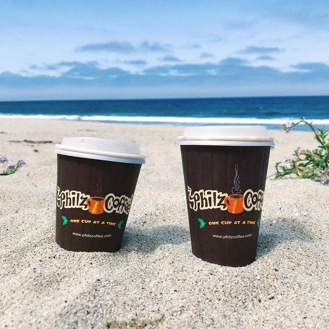 The nice thing about being pick-up only right now is that you can enjoy your Philz with a view. Where would you like to take your Philz today? . cheers to (IG)eating_the_cities,  you've got us daydreaming of the beach today. . #PhilzApp #MoveToMobile #Daydreaming #WednesdayVibes https://t.co/6nT0gBvXm2