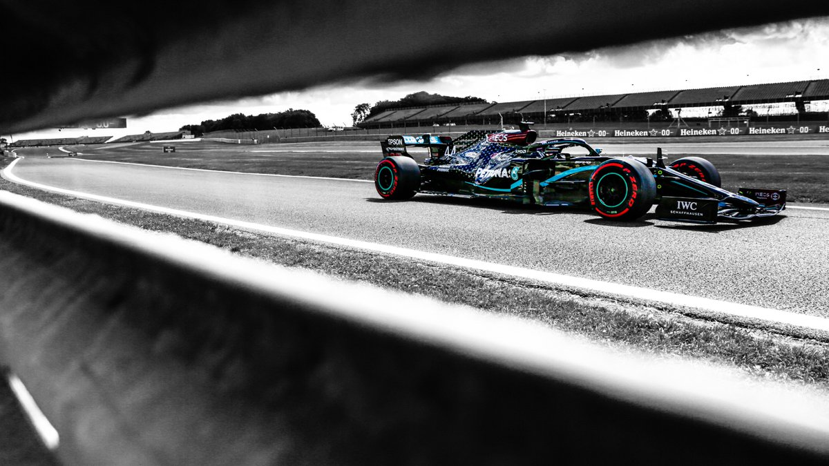 Thank you @MercedesAMGF1 for 2 fabulous wallpapers today, they are absolutely quality and i love them so thank you so must #Bestteam.  #DrivenByEachOther #Bestteam #Bestfans #TeamLH #TeamVB #LH44 #VB77 #WeRaceAsOne #WallpaperWednesday https://t.co/k5DDagwkw9