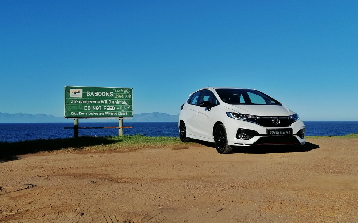 ..occupational hazards and standard operating procedures observed.. the photo op was too tempting.. maybe this cute angry panda kept the baboons at bay... **a young triple entendre there 🤪**  #DozerDrives @HondaSA #HondaJazzSport #ThePowerofDreams https://t.co/Bs541najkR