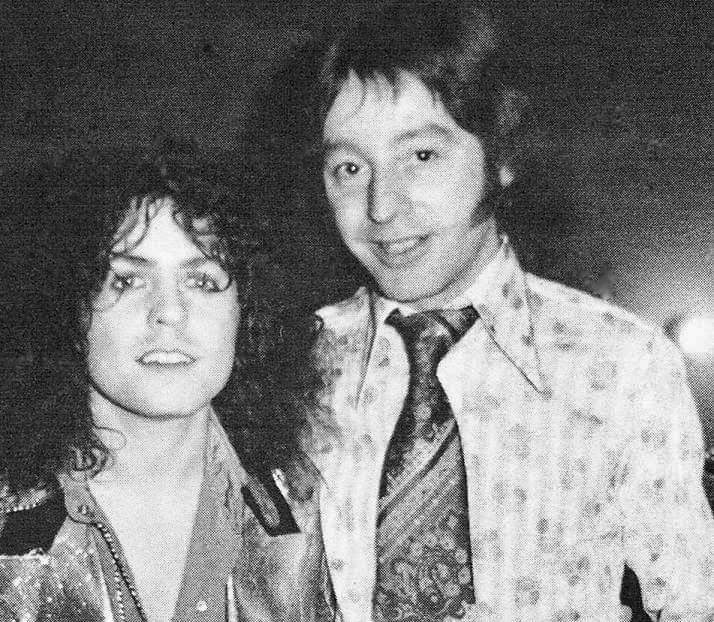 Marc Bolan and disc jockey Norman Scott backstage at the legendary 1972 Edmonton Sundown show. pic.twitter.com/MwMsYi8mbi