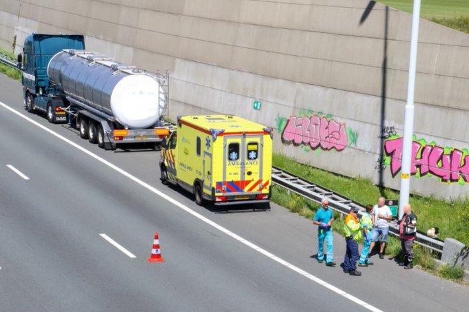Motorrijder gewond bij ongeluk A4 https://t.co/KggiBVUFU5 https://t.co/YUo56Lbmbo