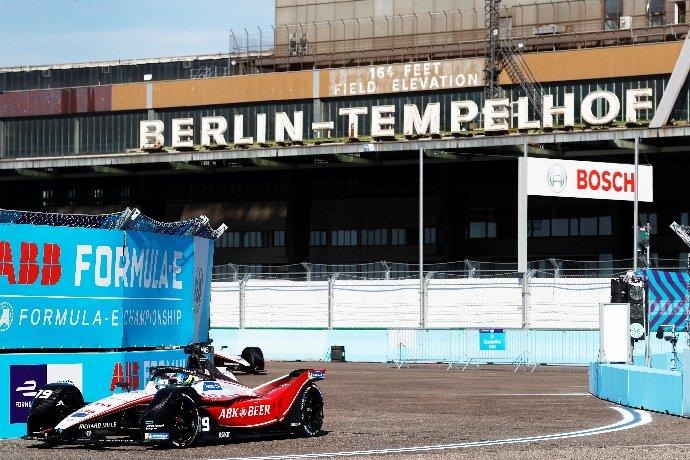 #FormulaE | #BerlinEPrix – Día 2 – Oliver Rowland y Nick de Vries marcan el ritmo de las prácticas https://t.co/g78s8ltaBS https://t.co/ucDFJwzvmM