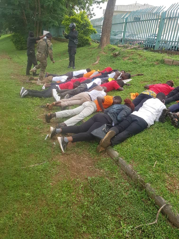 What more do we need, to demonstrate @NigeriaGov's failure & culpability in the #SouthernKadunaMassacre, than the kind of military resources it rolled in the FCT today & nationwide to halt #RevolutionNow protests.  Aiding criminals, but torturing & arresting innocent Nigerians?pic.twitter.com/RJ2I2XWrkJ