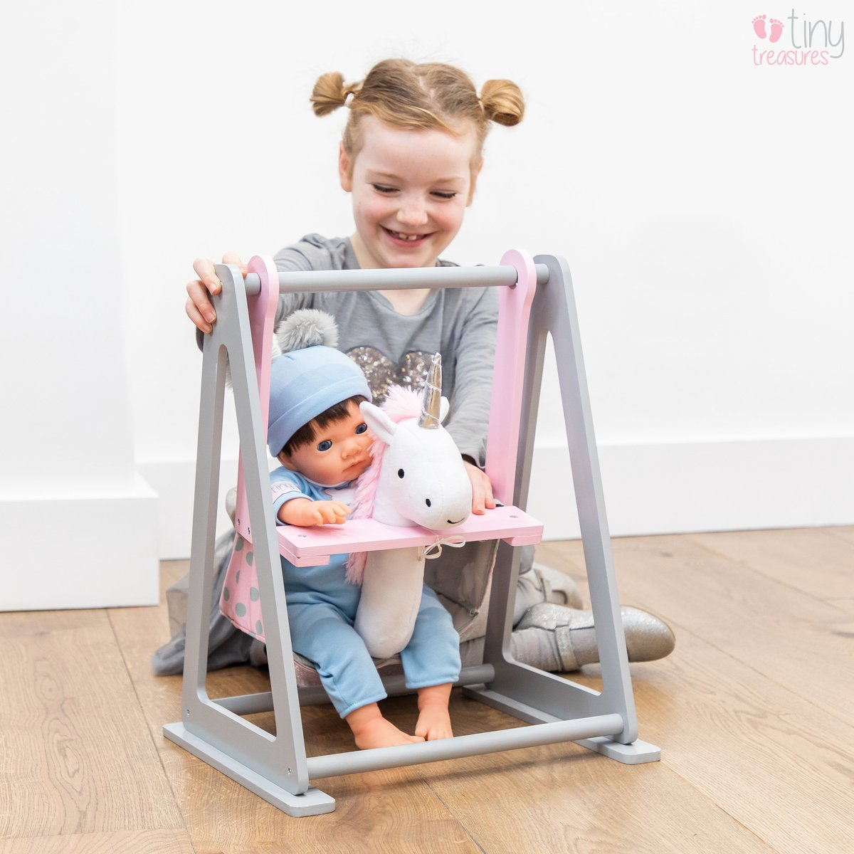 It's playtime! Your little Tiny Treasures baby doll can have so much fun in this wooden unicorn rocker  . . . #reborndolls #newborn #roleplay #newbornphotography #tinytreasures #newbornphotoshoot #rebornbaby #dollstagram #dolls #babies #unicorns #unicornpic.twitter.com/g6qmRSlQaY