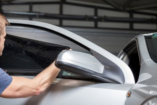 HOW LONG DOES IT TAKE TO TINT MY VEHICLE? The amount of time varies, depending on your type of vehicle. A complete car can take 2 to 3 hours. Full-sized trucks generally take between an hour and... https://sunshieldwindowtinting.com/  #windowtinting #customcars #customtrucks #windows #tintingpic.twitter.com/jtKlHHgBfG