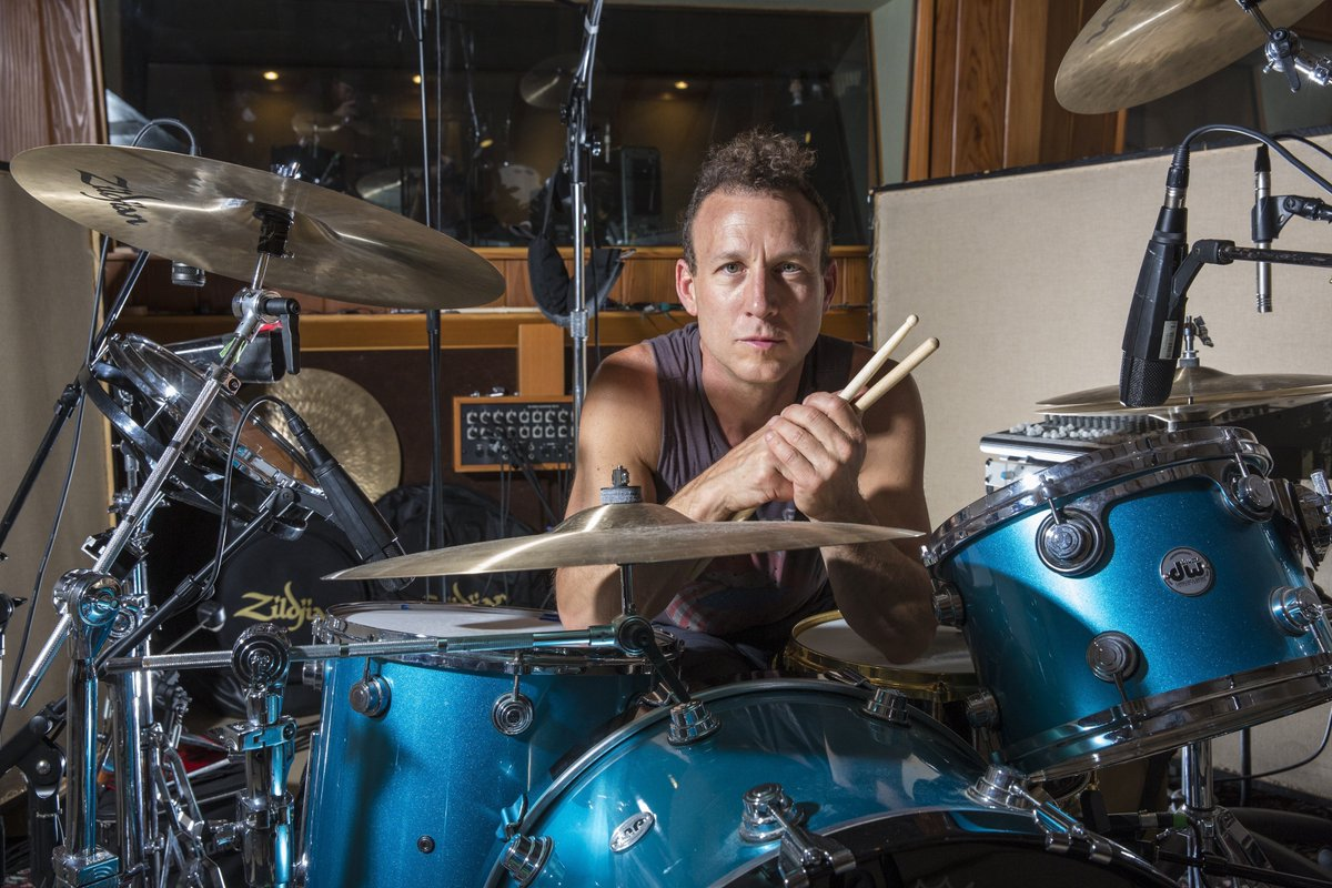 #JanesAddiction drummer #StephenPerkins is a guest of this 39min #SpecialEdition #podcast!   We talked #COVID19, #JackBlack, #TheBeatles, #Lollapalooza & lots more! https://t.co/sAaQ5uMefU https://t.co/sDEocMjIsF