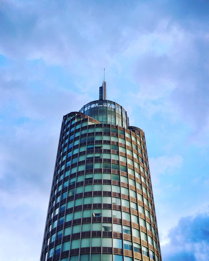 #yuxi #yunnan #china #mobilephotograpy #mobileshot #snapshot #oneplus5t #hongta #building https://instagr.am/p/CDg30OxFyYx/pic.twitter.com/VlH6xqfsJ9