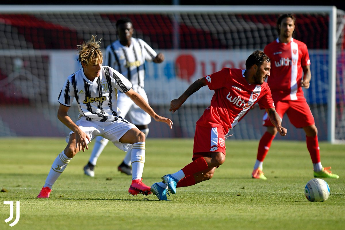Finisce il test di Monza per i bianconeri.   6-1 il finale per l'@ACMonza, che nella ripresa va in gol due volte con Brighenti (52' e 73') e una con Finotto (69'). Rete anche per la Juve, la firma Petrelli su rigore al 53'  #MonzaJuve #ForzaJuve #JuventusYouth https://t.co/KcxlFOCZ4C