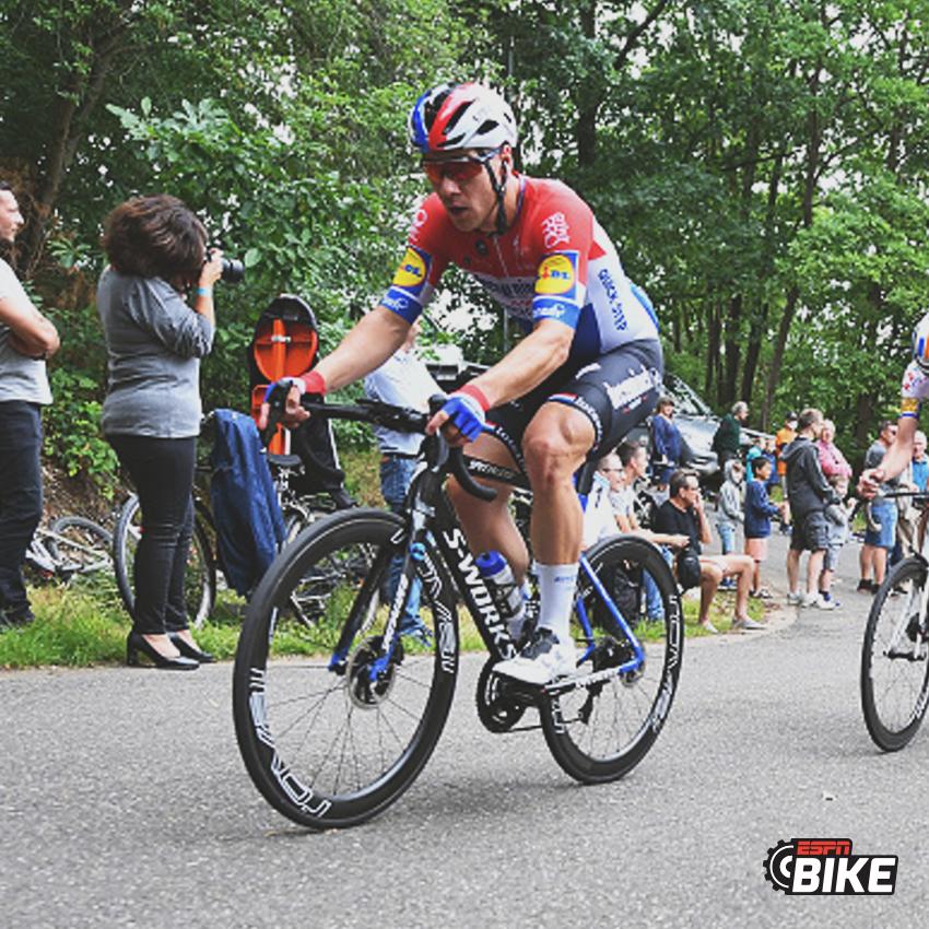 #ESPNBike Según informó TVP Sport, medio polaco, Fabio #Jaboksen se encuentra en un coma farmacológico, fue llevado a un hospital y su estado es grave, tras el accidente en el final del Tour de Polonia. https://t.co/OMb4LkkRxm