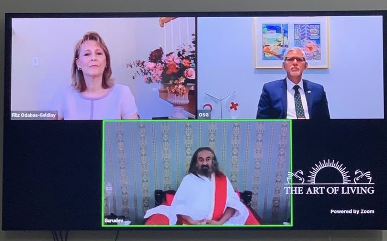 I was grateful to join the interaction with @SriSri Ravi Shankar on mental health. Volunteering to help others, meditation, exercises, connectedness, acting with purpose help manage stress. There is no health without mental health. https://t.co/g0crdCKcLx https://t.co/Joganp6XBz