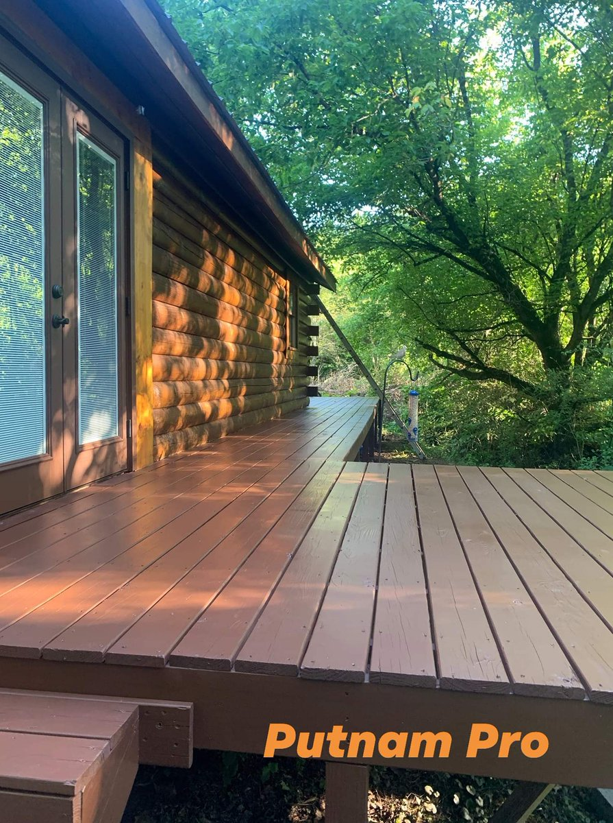 Deck coating completed.  How does your deck look? Does it need a sprucing up?    Reserve your date with Putnam Pro today! (706) 669-3479 or email info@putnam-pro.com  #oilbasedstain  #homepainting #homestaining #housepainting #pressurewash #painting #staining #oilststainpic.twitter.com/NB7uz1Tl9A