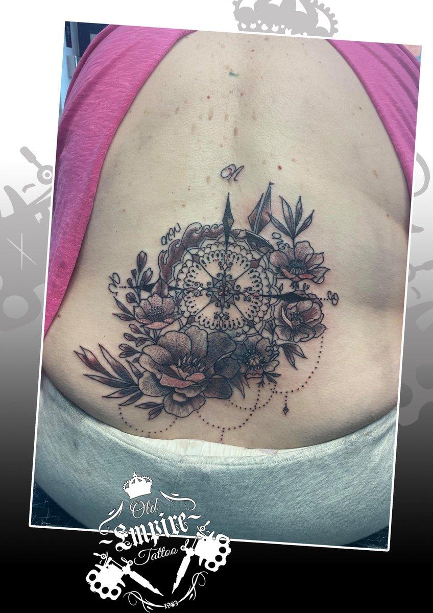 Large lower back tattoo covering a very old small angel #compasstattoo #floraltattoo #femininetattoo #lowerbacktattoo #tattoolife #blackandgrey #backtattoo @oldempiretattoopic.twitter.com/C3GRFF0fLF