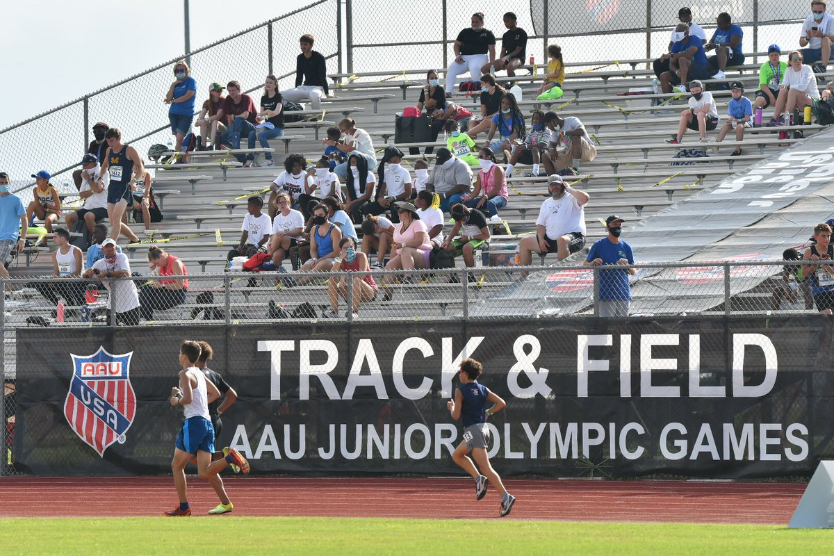It's the first day of the AAU Junior Olympic track and field competition in Satellite Beach. Photos online now at http://floridatoday.com . @Florida_Today @NDN_PrepZone @TCPalmPrepZone @321preps #trackandfield #spacecoastpic.twitter.com/RwHH7Bfmt7