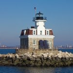 Learn how GSA and @USCG helped restore a Connecticut lighthouse after years of roadblocks and damage following Hurricane Sandy: https://t.co/vacPdV9YON  #NationalLighthouseDay