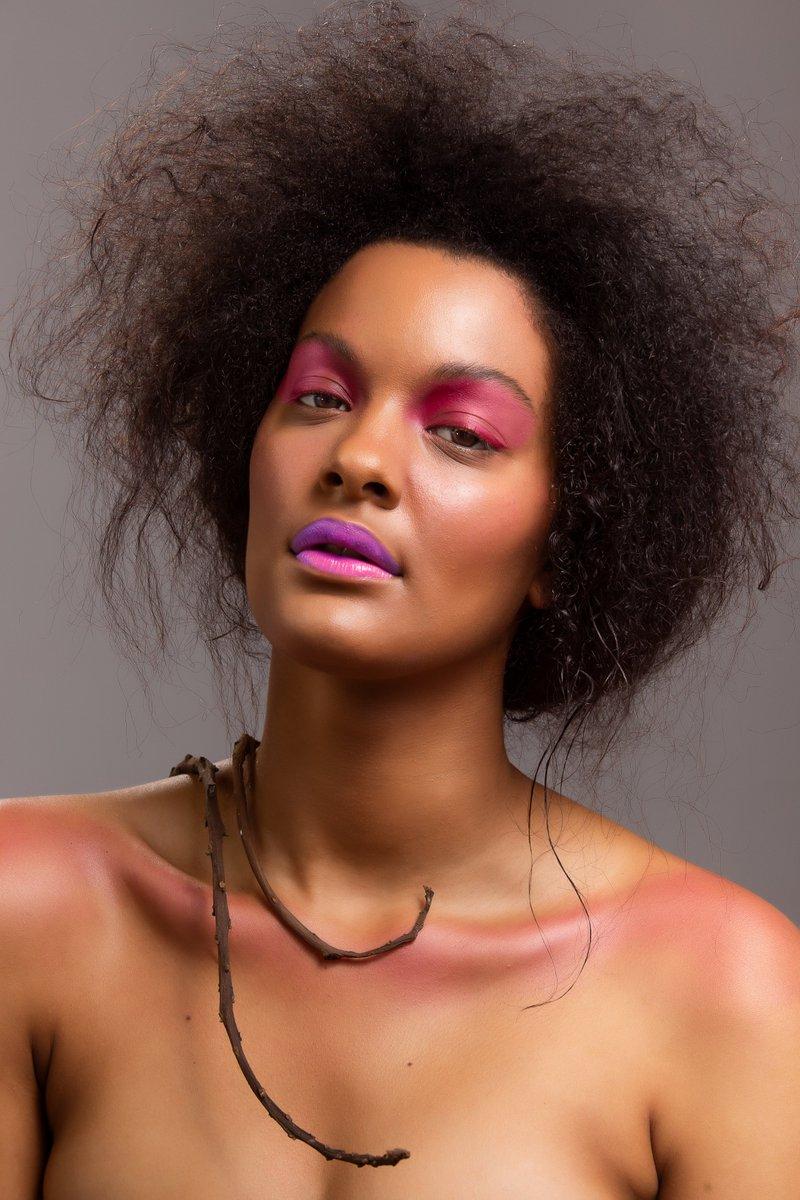 Stance  #fixthephotoretouchingservice #editorialstylist #makeupretouch #portraitphotography  #modelphotoshoot #model #photoshooting #photographer #photomodel #modellife #fashionretouching #makeup #photography #adobe #creativecloud #adobelife #portrait #woman #womanstyle  #FFpic.twitter.com/PRVTBLf2bo