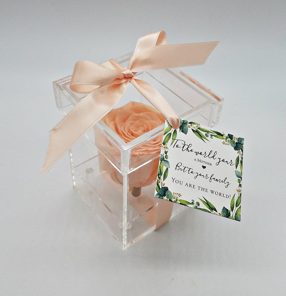 Excited to share the latest addition to my #etsy shop: Sympathy gift for loved ones - Single preserved rose in acrylic box https://etsy.me/3fvFF0q #griefmourning #singlerosebox #thoughtfulgift #friendgift #sympathygift #smallgiftidea #lossoflovedone #deathoflovedone #lpic.twitter.com/xshazjwkp7