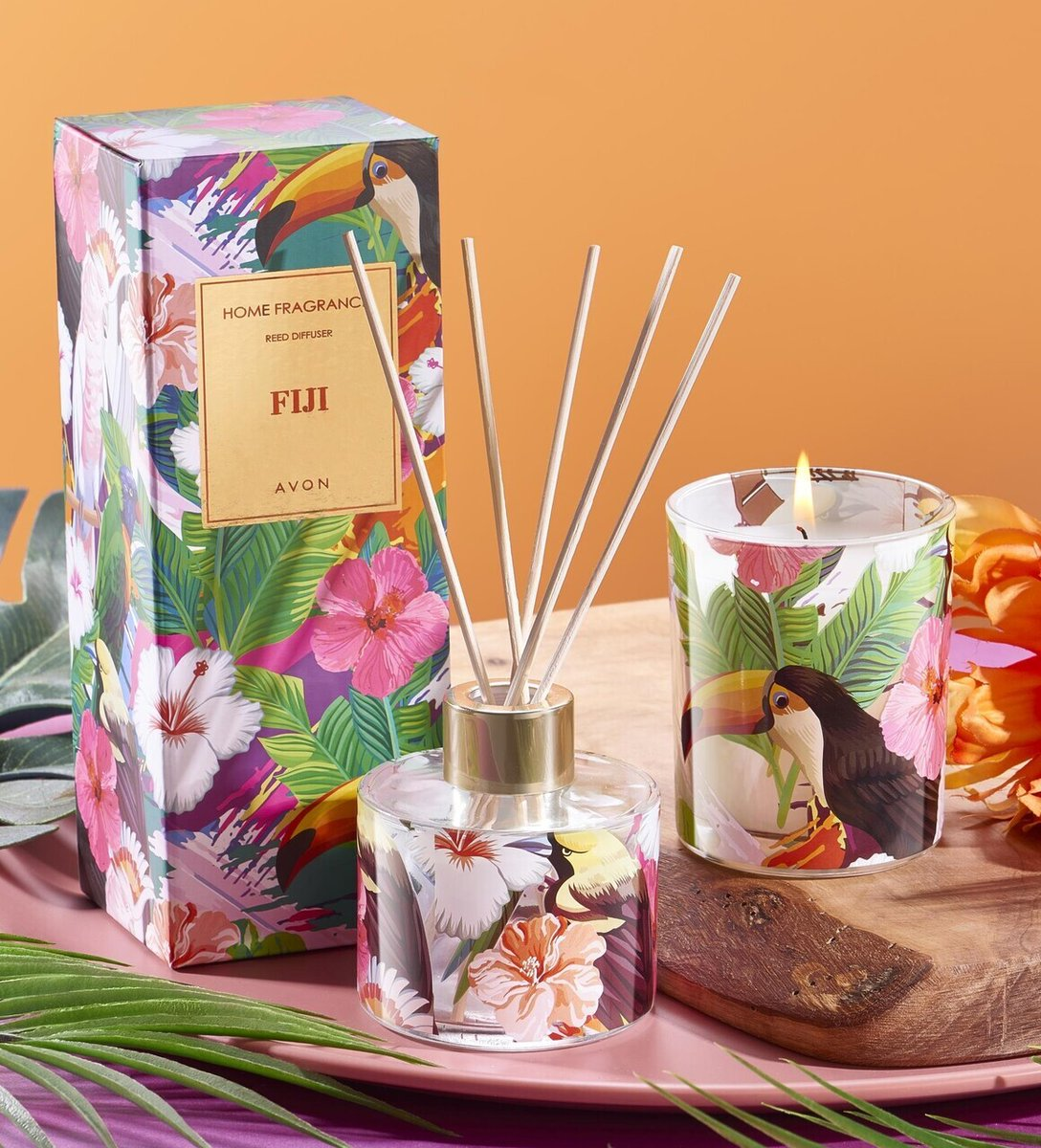 Get swept away to the dreamy shores of a tropical island as the aroma of lily of the valley, musk & jasmine float through your room.  It's an incredible 2 for £15 offer!  http://wu.to/yRDktupic.twitter.com/Uh59FzWw59
