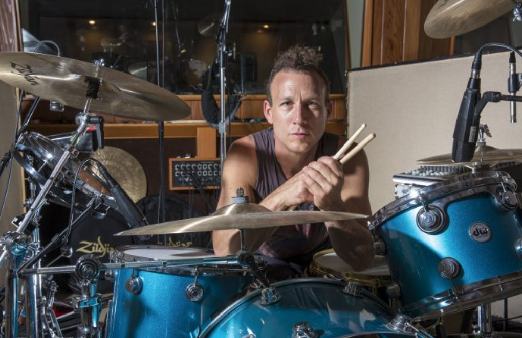 Talked #BeeGees, #Lollapalooza, #ChiliPeppers, #Spiderverse & more with #JanesAddiction drummer Stephen Perkins in this 39min #podcast!   https://t.co/sAaQ5uMefU https://t.co/nGpiGkPMnn