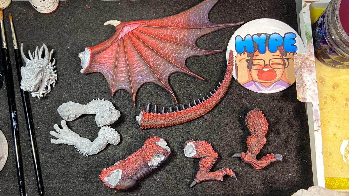 More painted heavy metal dragon bits! Handling this guy carefully and painting each section before final epic assembly & detailwork. #RalPartha #TheGreatRedDragon #WIPWednesday https://t.co/i0J539ujTP