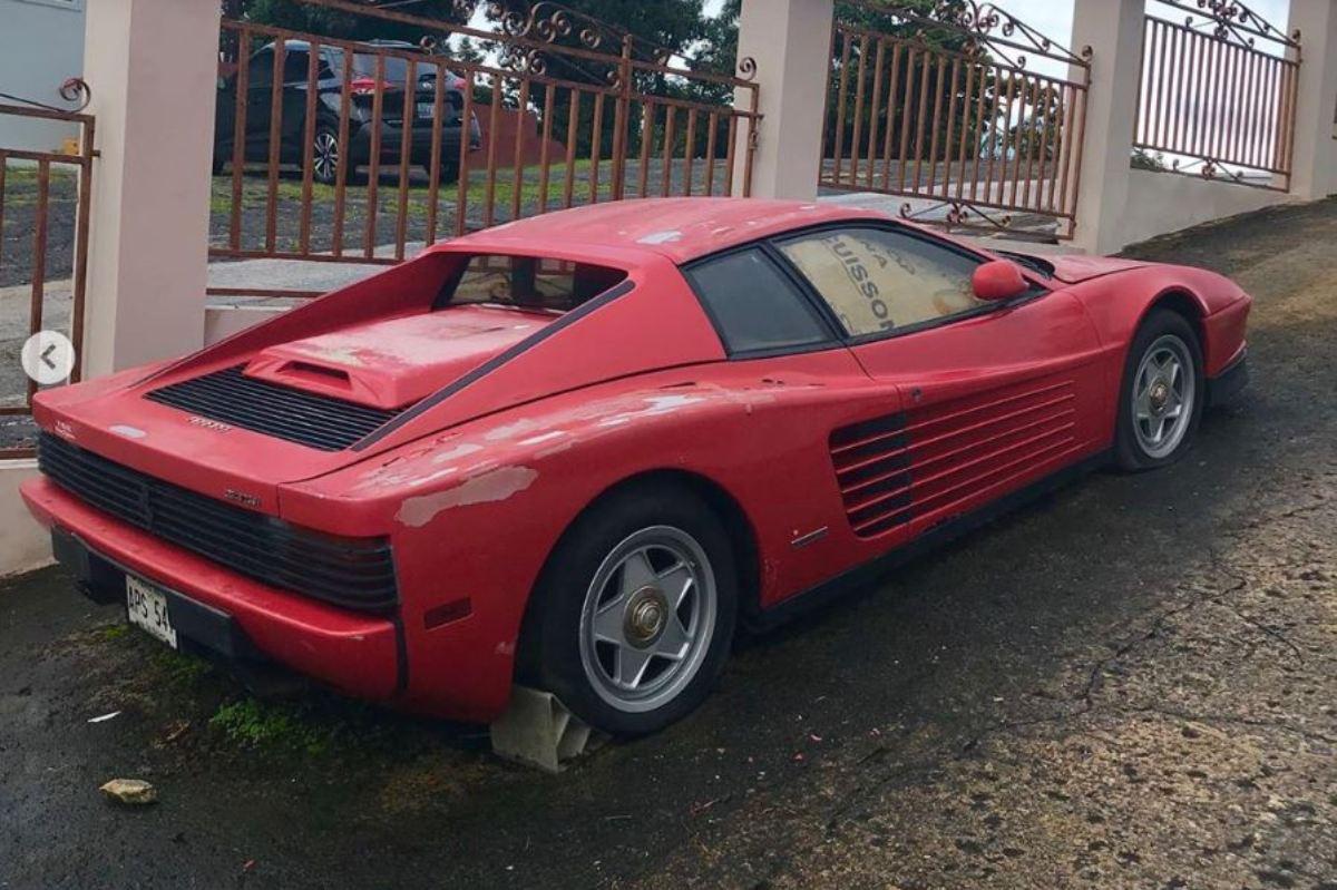 Rescatado este Ferrari Testarossa abandonado durante 17 años en Puerto Rico - https://t.co/L7QQpak52v #Ferrari #cochesabandonados https://t.co/KYmCLBBU4R