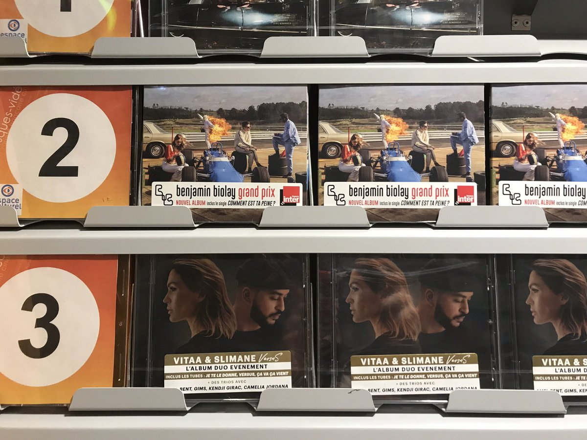 Quand un an plus tard, l'album #VersuS est toujours classé au sommet des ventes d'album et derrière le grand #BenjaminBiolay et son excellent #Grandprix  👏👏 @Slimaneoff et @VITAA https://t.co/jWtfA8Ujh6