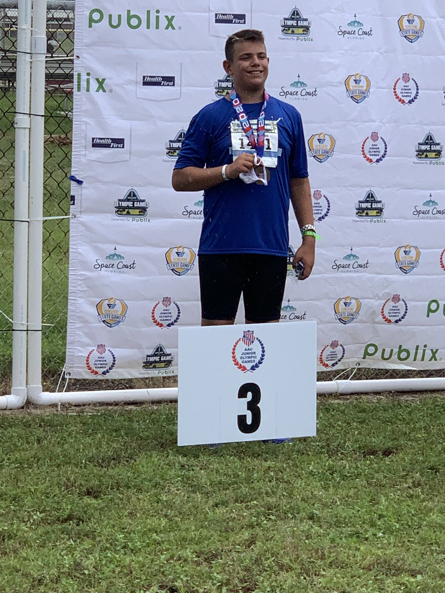 Georgios earned the Bronze and All American title in Discus (12U) at the AAU JR OLYMPICS! @AAUTrackNField @TheRealAAU @DrSterg #trackandfield #discuspic.twitter.com/xsMhhnEDcX