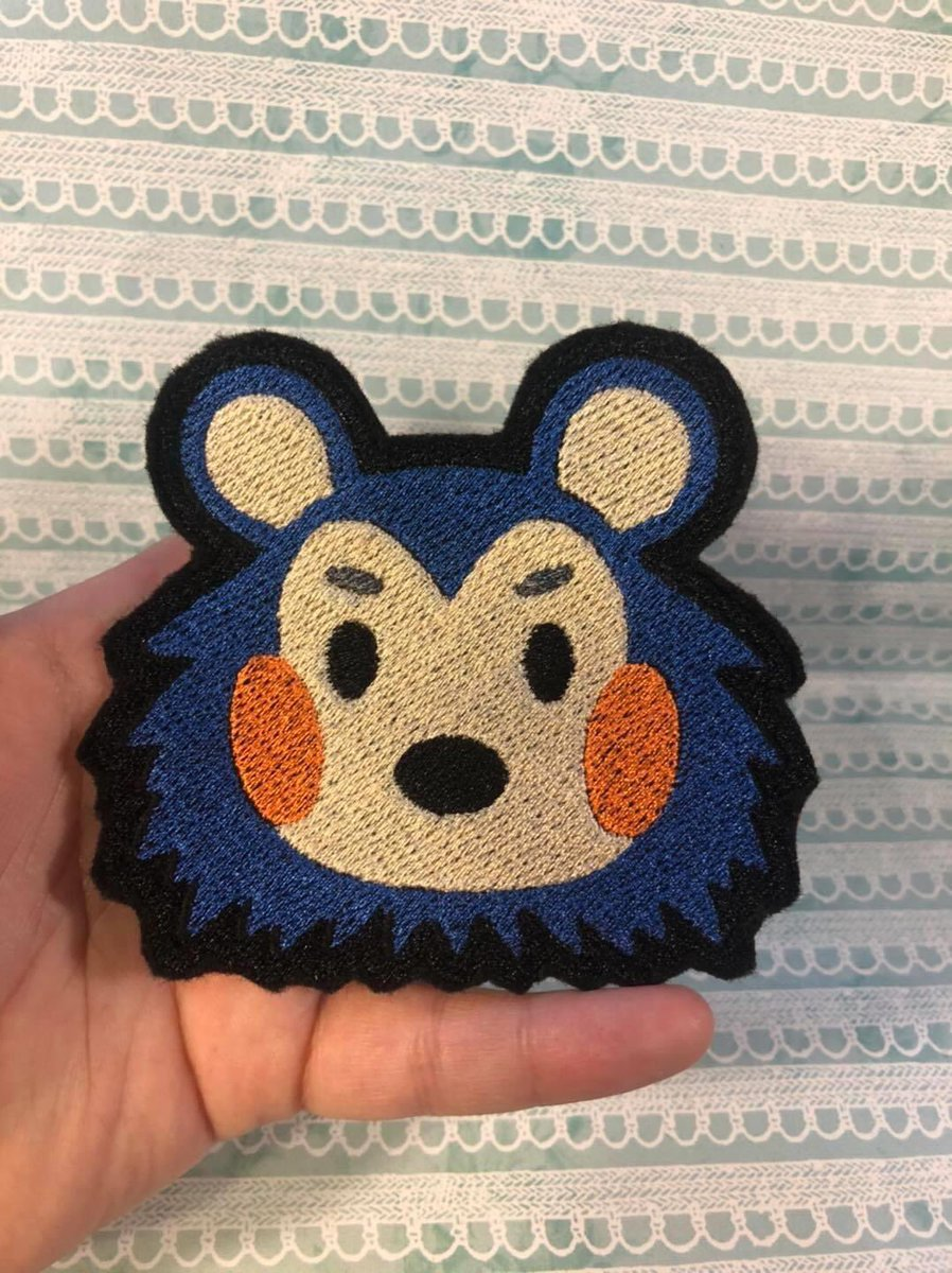 I really wanna give her a hug but she looks so pointy   . Mabel patches now available in our Etsy store! Link below!  #acnh #mabel #mabelanimalcrossing #hedgehog #animalcrossing #etsypatches #etsypatch #etsy #etsyshop #etsyseller #etsyfinds #etsystore #emberfallplushpic.twitter.com/u0TkoBnK5z