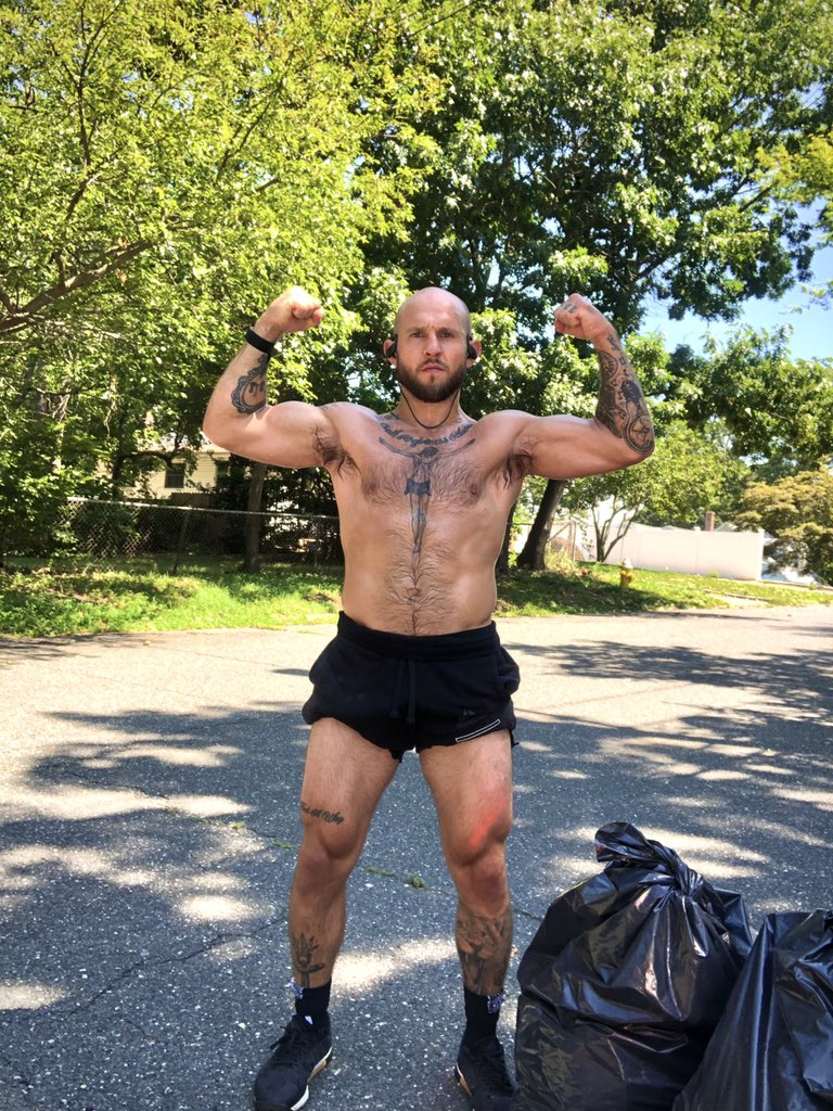 4 weeks out. Yes I'm a righty https://t.co/DVN3CIRVxj