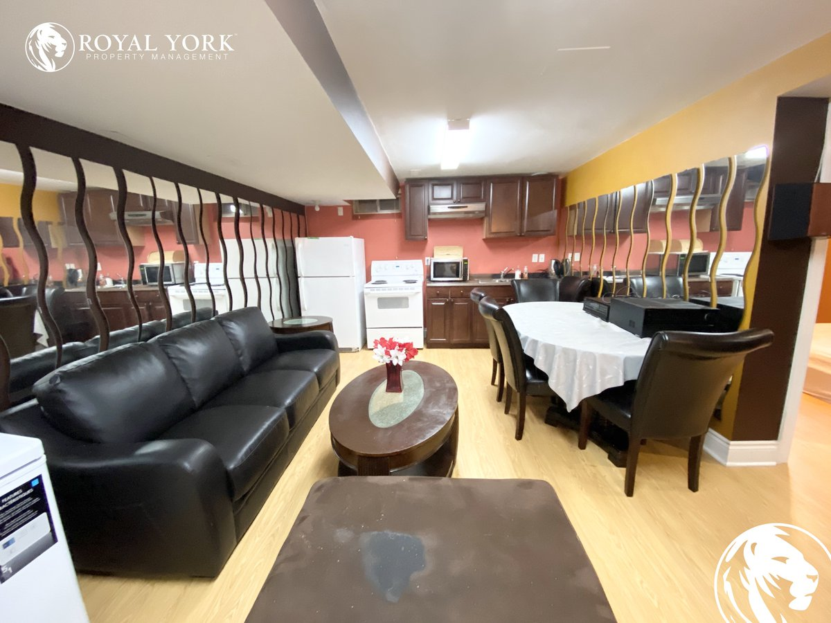 Call or Text: 905-385-8150 Email: Properties@RoyalYorkPM.com  Schedule a Showing: https://zcu.io/NaW1  2-620 Madame Street, Mississauga, Ontario L5W 1G6 Mavis Road and Derry Road  $1,500 (1 Parking Spots Included)  Available Immediately!  #rental #mississaugarental #realtorpic.twitter.com/FZ5ogEdzol