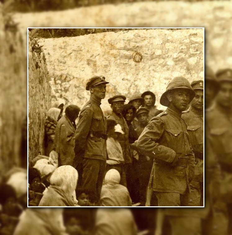 There was another #JerusalemDay in 1918 when #Jerusalem was liberated from Ottoman rule. Here is the founder of our movement, Zeev #Jabotinsky in the centre of the photo at the Western Wall, with soldiers of the Jewish Brigade.