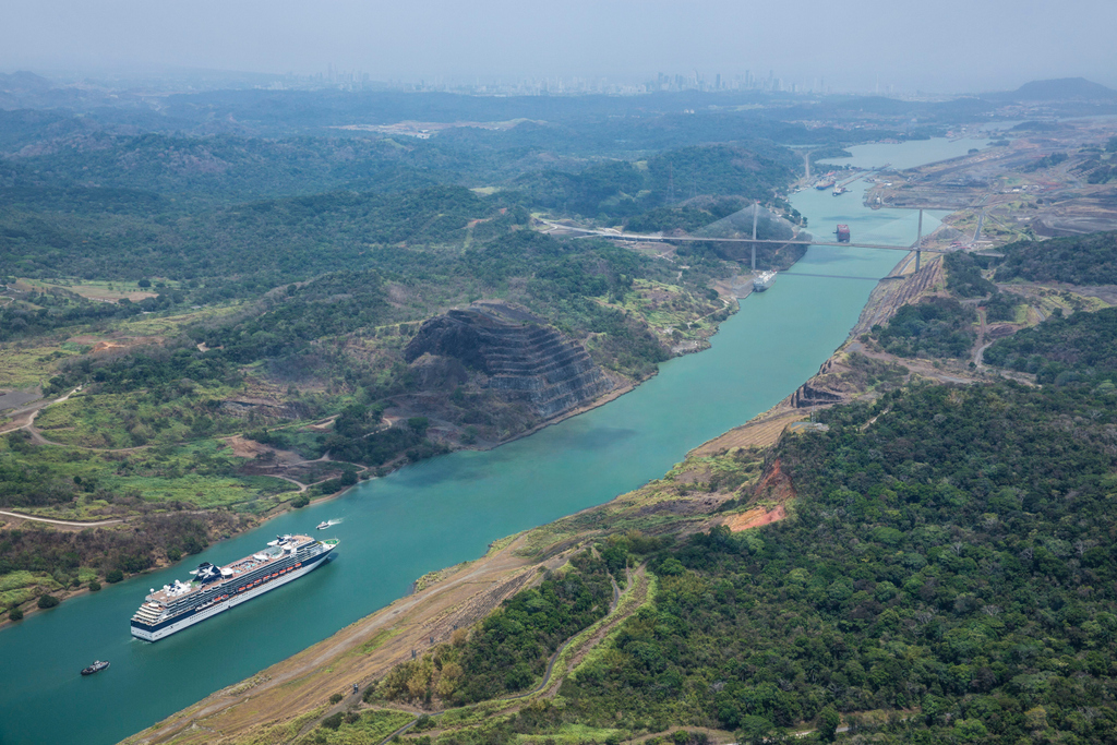 What better way to experience the #PanamaCanal, a modern marvel of engineering, than on a #CelebrityCruise!  Sail from the Pacific to the Atlantic (or vice versa) in modern luxury in a well appointed floating resort.    : Celebrity Cruise Line  https://soo.nr/K1dlpic.twitter.com/1pQQIxh8TR