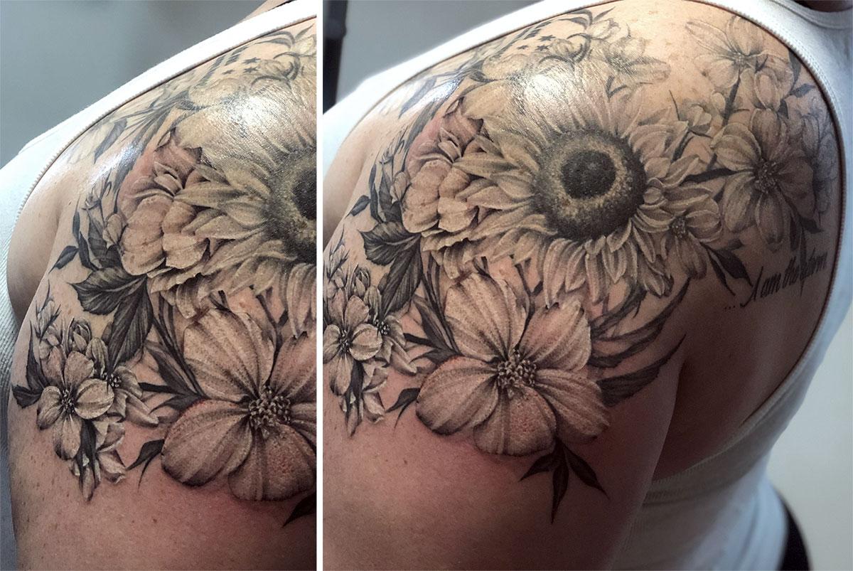 Beautiful floral shoulder tattoo done by Megan Reinhart #floraltattoo #blackandgreytattoo #bnginksociety #meganreinharttattoo #sunflowertattoo #shouldertattoo #tagtheqc #iowatattoo #davenportiowa #midwesttattoopic.twitter.com/u2lRGphX9T