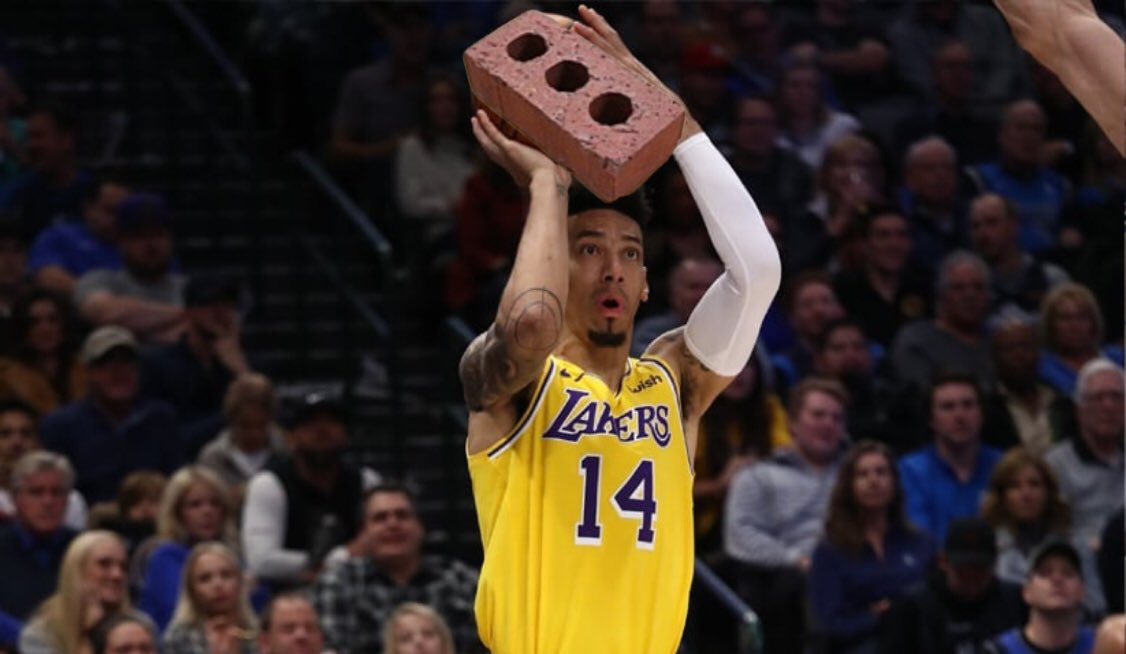 I'm tired of Danny Green #Lakers pic.twitter.com/m64ayehbQT