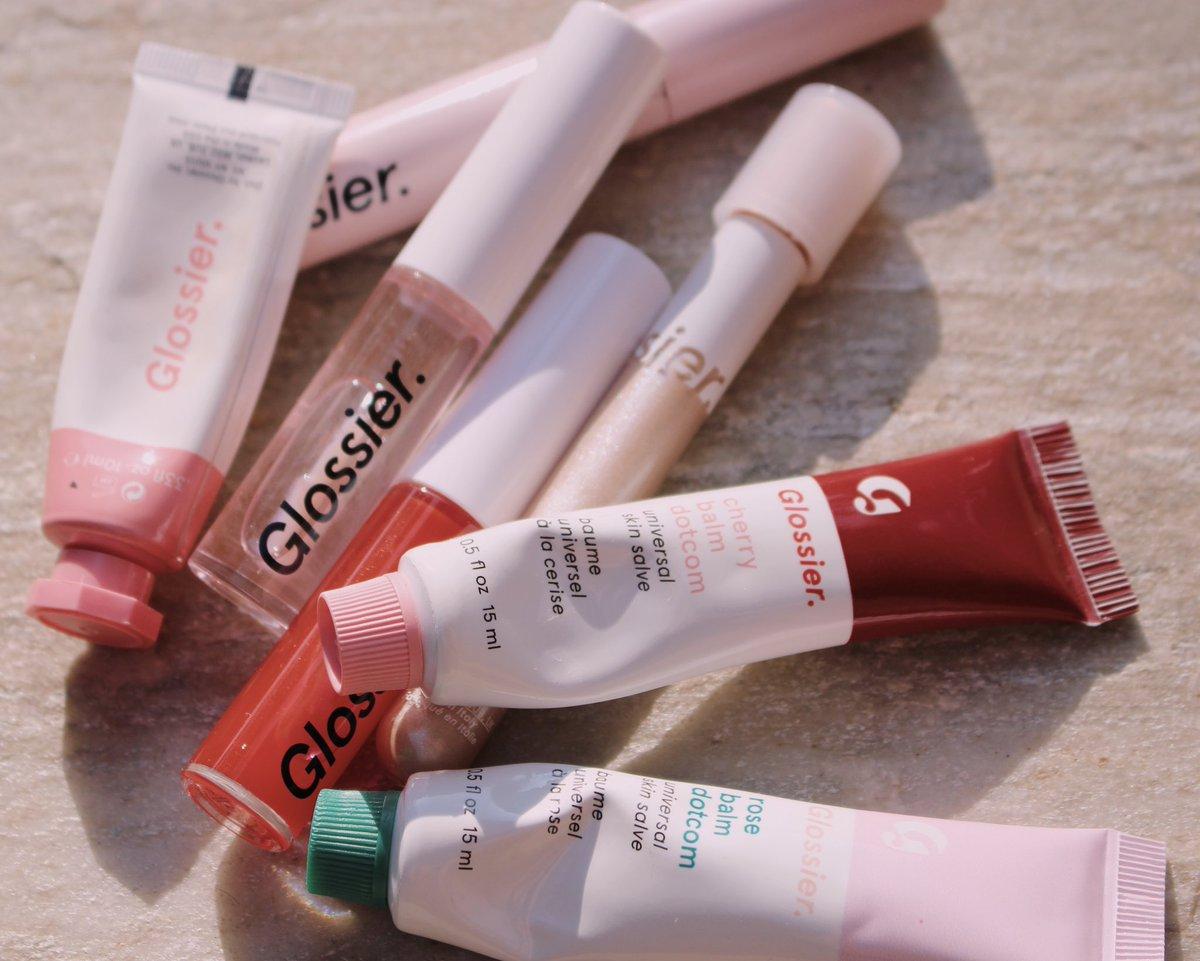 glossier    All from @glossier  cherry balm dotcom rose balm dotcom lengthening mascara ($16) lidstar ($18) lipgloss in clear ($14) lipgloss in red ($14) cloudpaint ($18) #glossier #glossylips #glossy #glossiercloudpaint #glossiermakeuppic.twitter.com/b1nveOXBq2